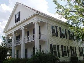 800px-Grandfather's_House,_Medford,_Massachusetts