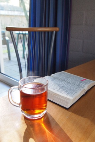 canva-tea,-drink-tea,-tea-glass,-cup,-bible,-faith,-open-macvrw_rvbu